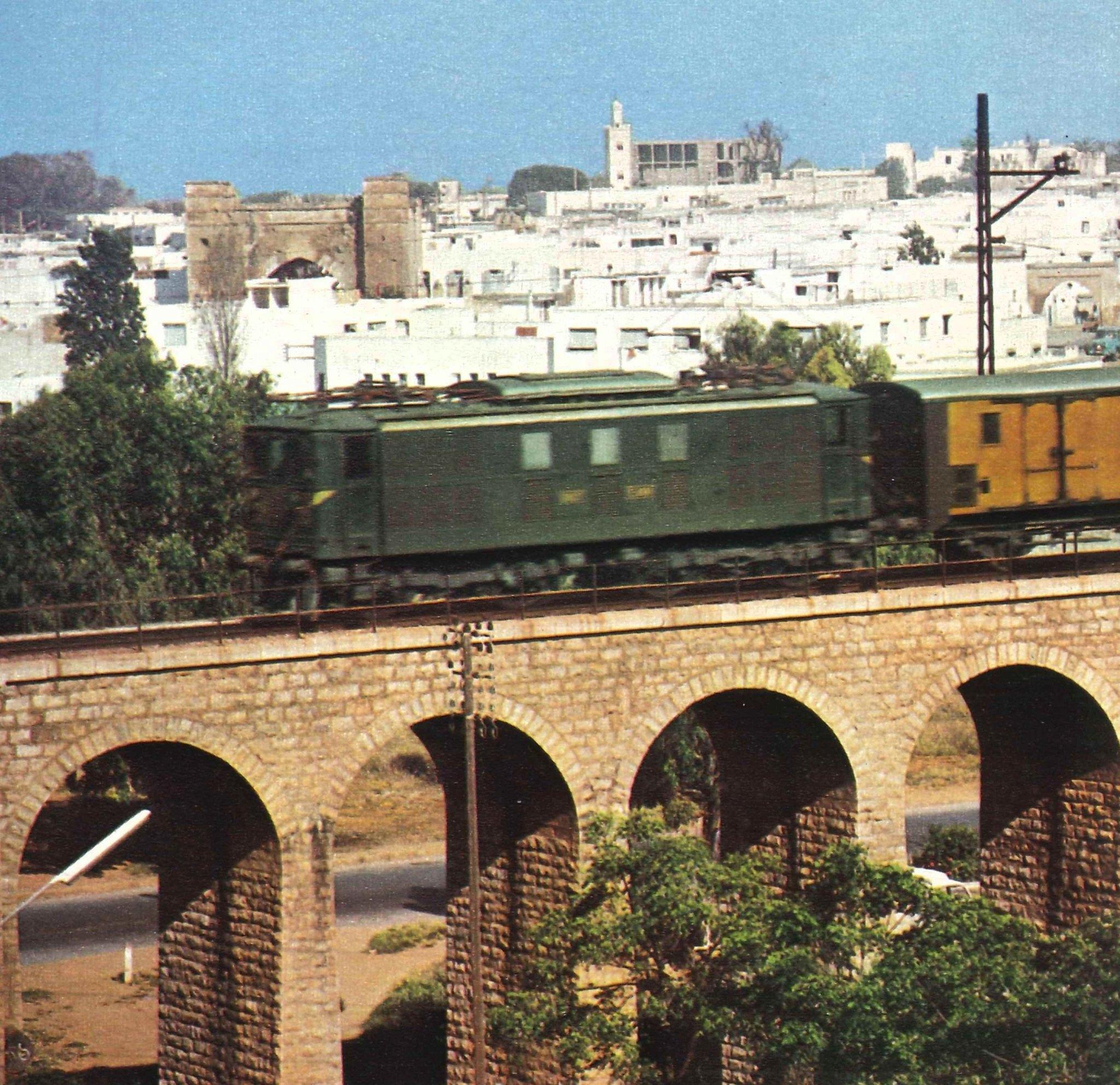 Chemins de Fer au Maroc - ONCF  - Page 4 Clipb747