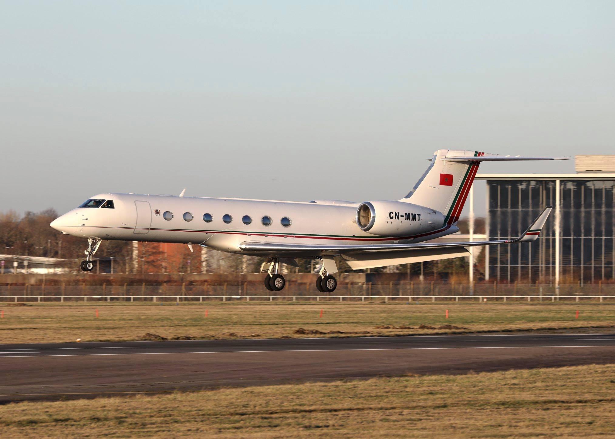 FRA: Avions VIP, Liaison & ECM - Page 24 Cn-mmt10