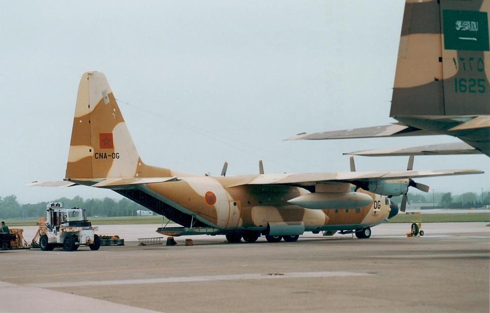 FRA: Photos d'avions de transport - Page 42 Dover10