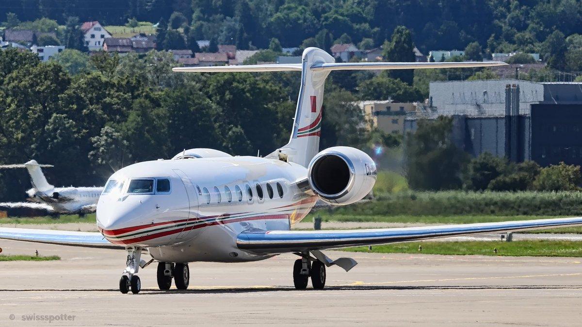 FRA: Avions VIP, Liaison & ECM - Page 23 Ebdt7r10