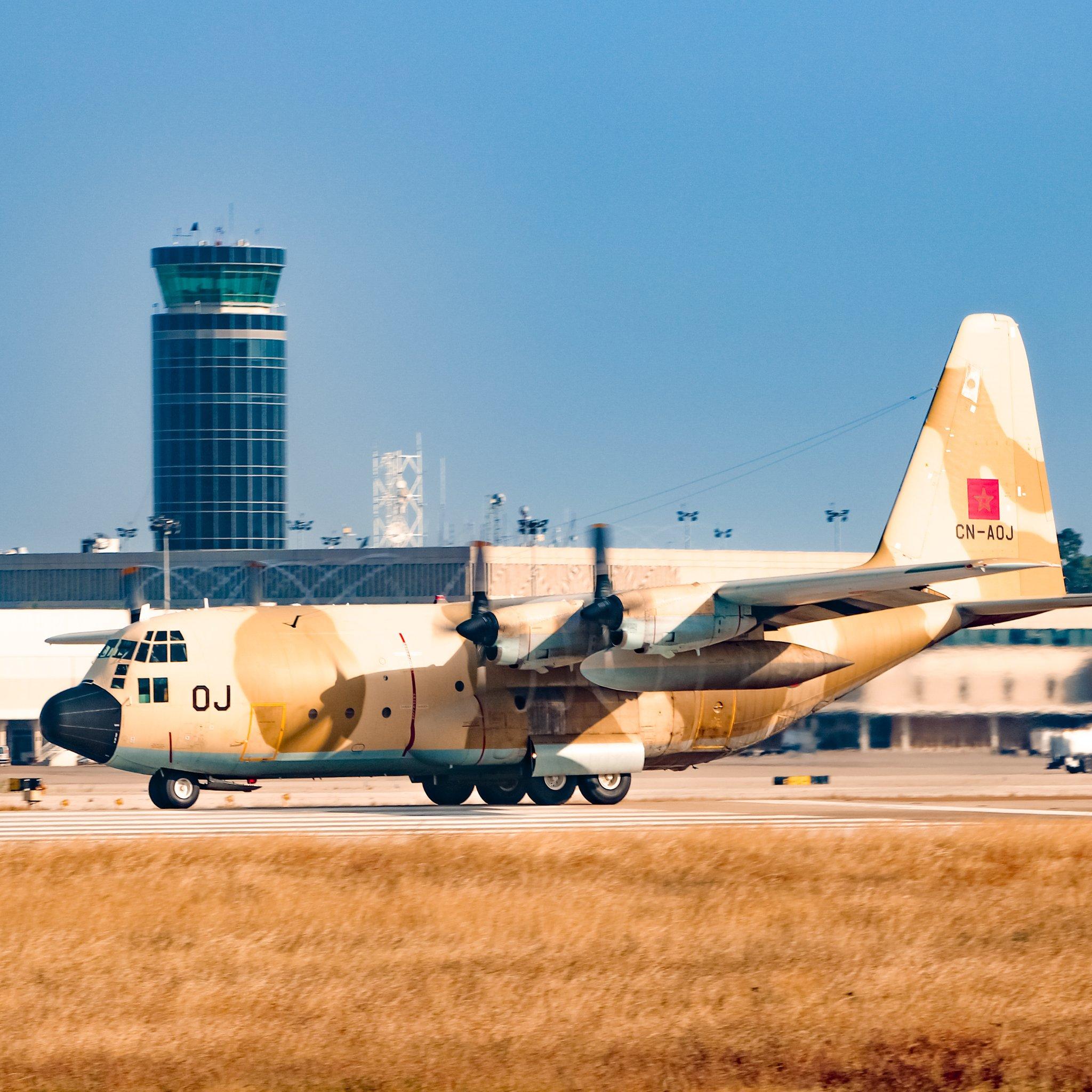 FRA: Photos d'avions de transport - Page 40 Ee6tob10