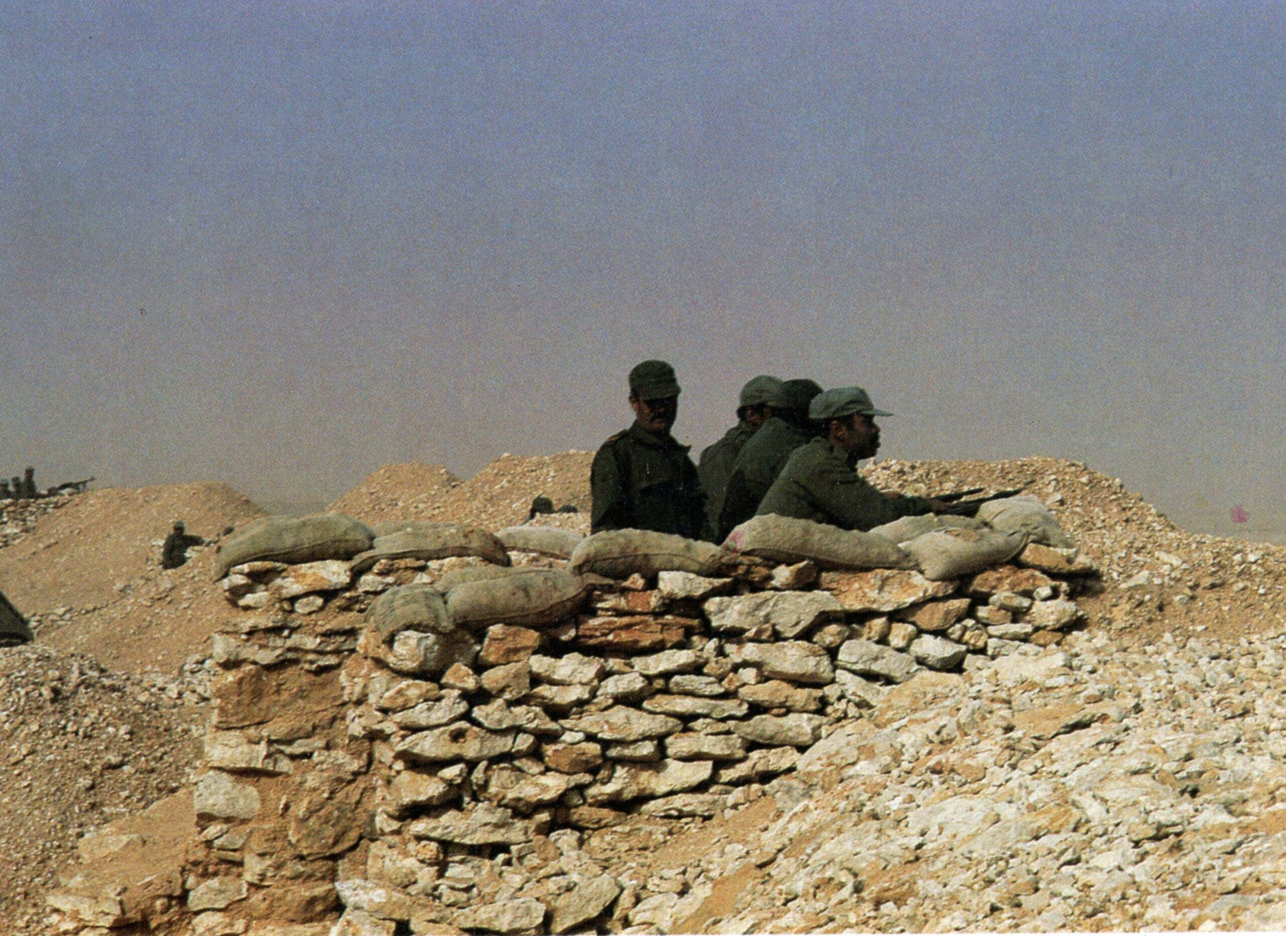 Le conflit armé du sahara marocain - Page 16 Mur10