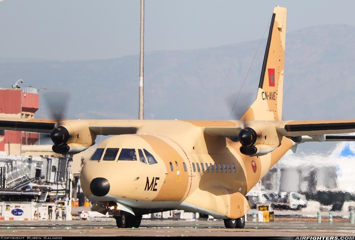 FRA: Photos d'avions de transport - Page 41 Photo_15