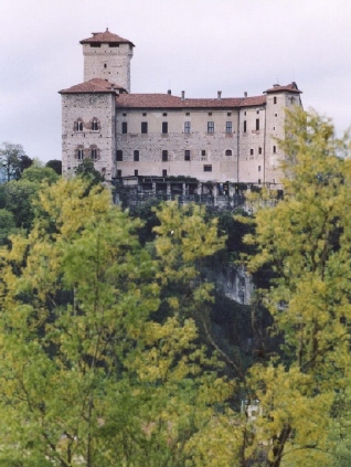 Angera Rocca110