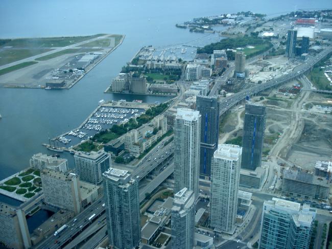 Toronto / City Centre Airport - (TCCA) - (YTZ / CYTZ) Lizcwz10
