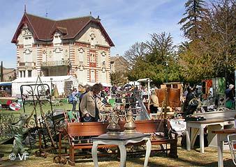 Mon reportage photo de Lisle-sur-la-Sorgue (84) Antiqu10