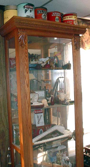 Wanted: Pics of Your Smoking Dens/Man Caves - Page 3 Case_110