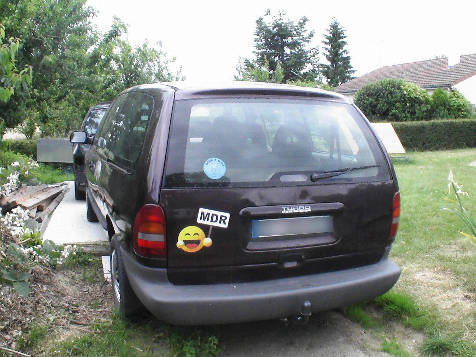Petit Voyager S4V6 LX de Papa_Marco - Page 3 Pic_0111