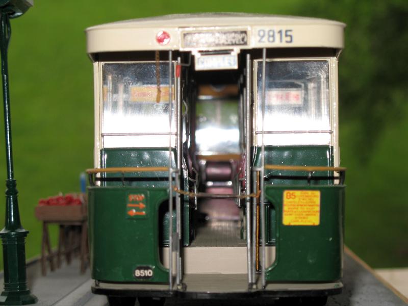 Bus Renault, 2cv et marché. Dioram31