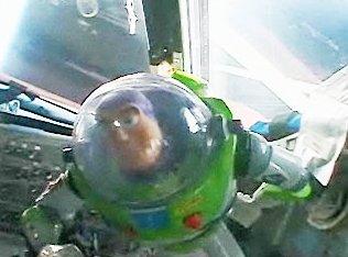 Buzz l'éclair sur orbite Buzz_i10