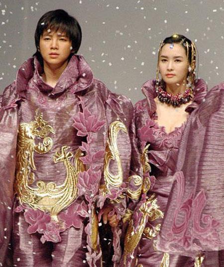 أزياء كوريا الجنوبية الحديثة بطابع القصور والاميرات Shayan11