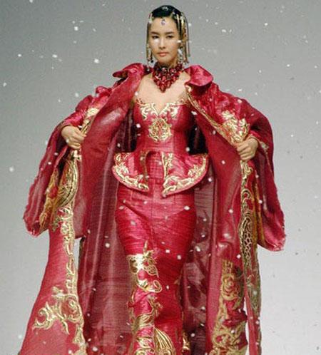 أزياء كوريا الجنوبية الحديثة بطابع القصور والاميرات Shayan12