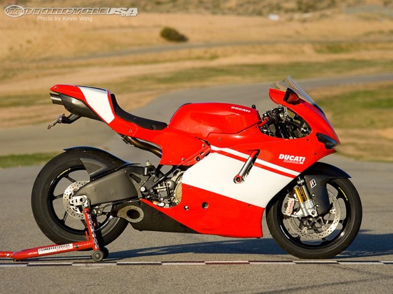 Quelle moto auriez vous aimer avoir? Ducati10