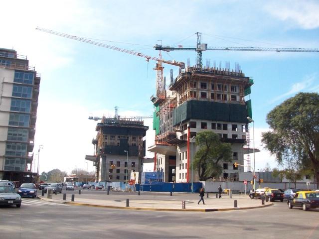 APOSTEMOS AL SECTOR DE LA CONSTRUCCIÓN Yacht10