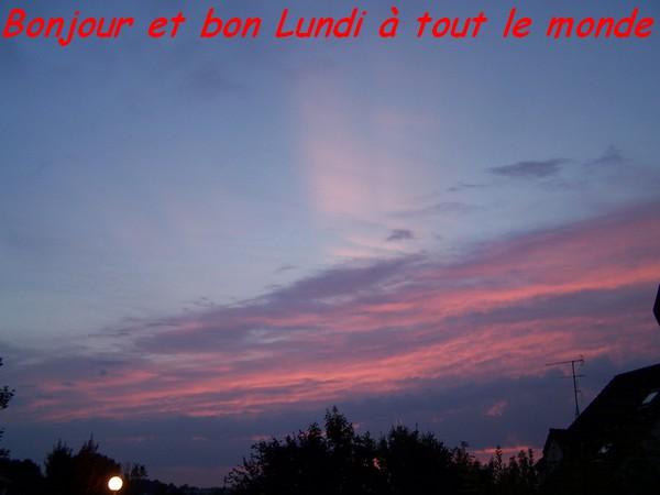 Bonjour et Bonsoir - Page 17 Juille10