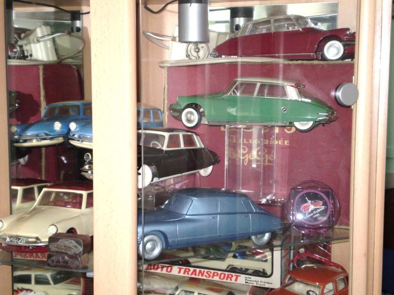 Ma collection DS en vitrine (à fin juillet 2008) Vitrin45