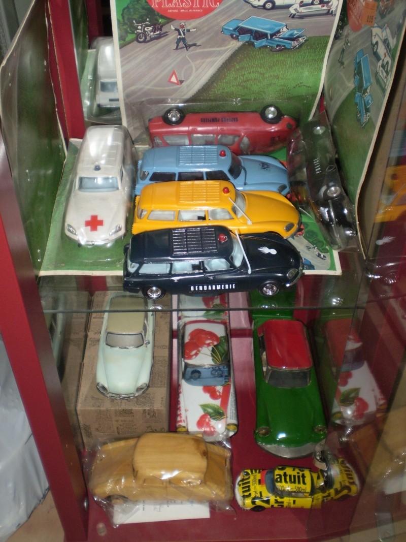 Ma collection DS en vitrine (à fin juillet 2008) Vitrin53