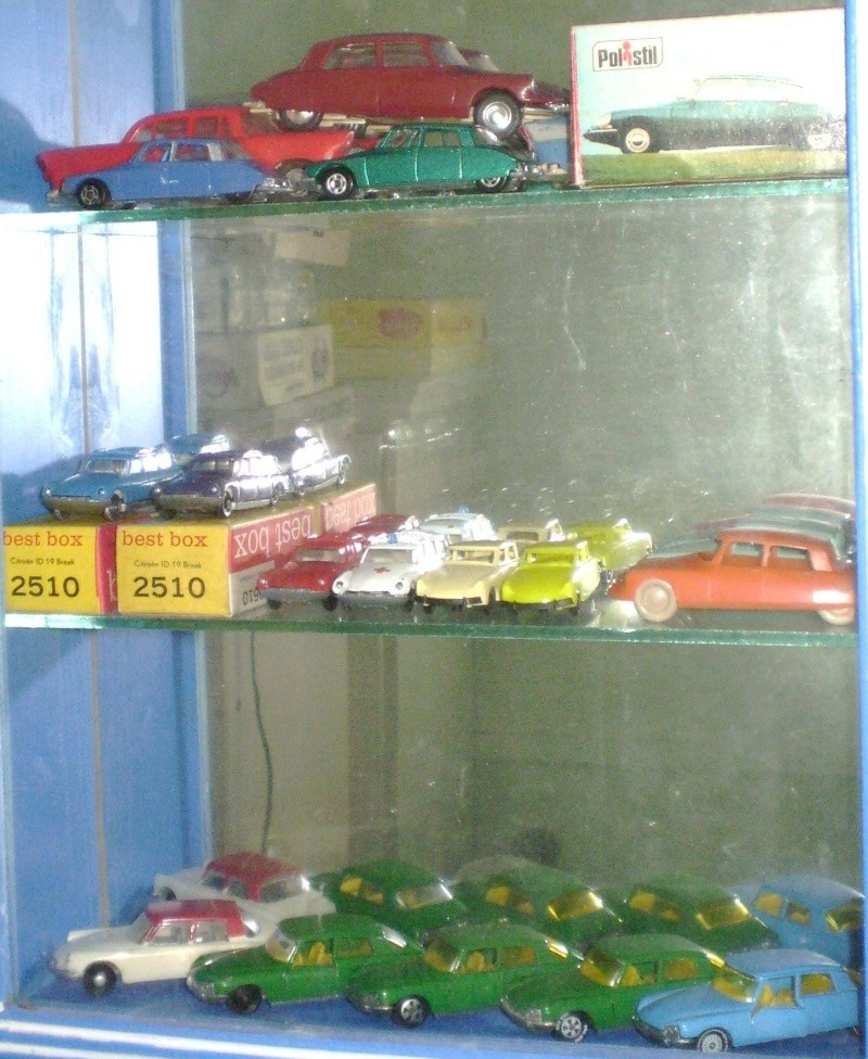 Ma collection DS en vitrine (à fin juillet 2008) Vitrin59