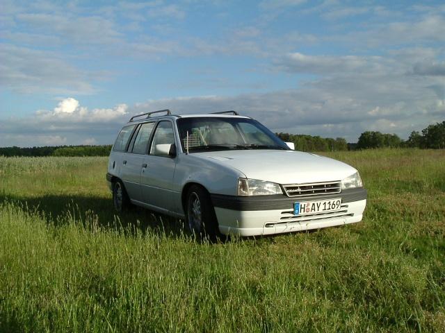 Der Opelmaus ihr alter Kaddy (Kadett E Caravan ) Dscf0011