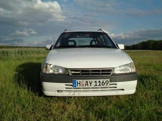 Der Opelmaus ihr alter Kaddy (Kadett E Caravan ) Dscf0012