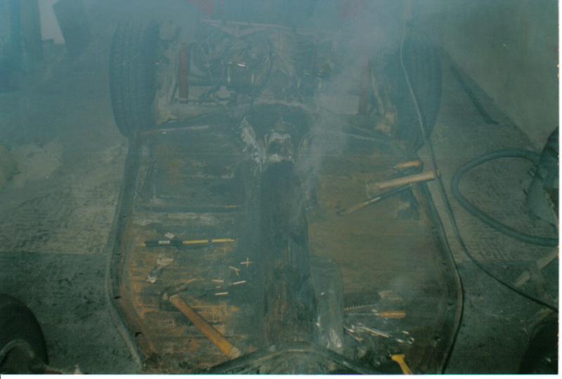 Tinha ninho de ratos por isso a fumaça D1910