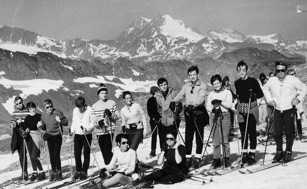 [Val d'Isère] Photos d'archive de la station et des environs - Page 4 1968_012