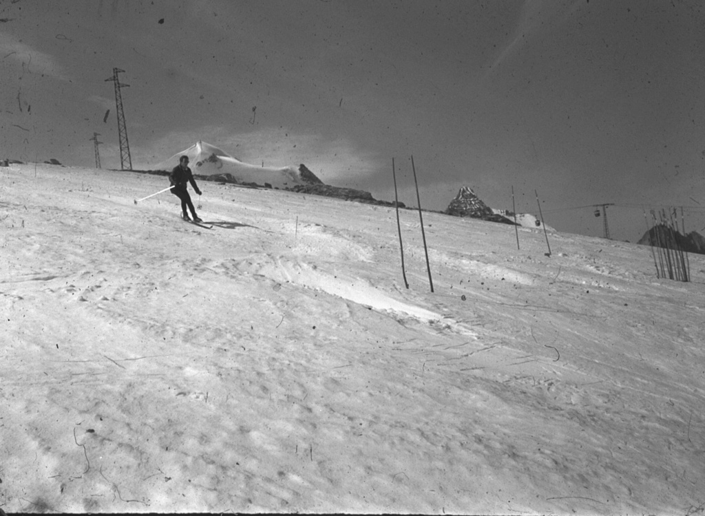 {Tignes} photos  d'archive de la station - Page 2 1968_014