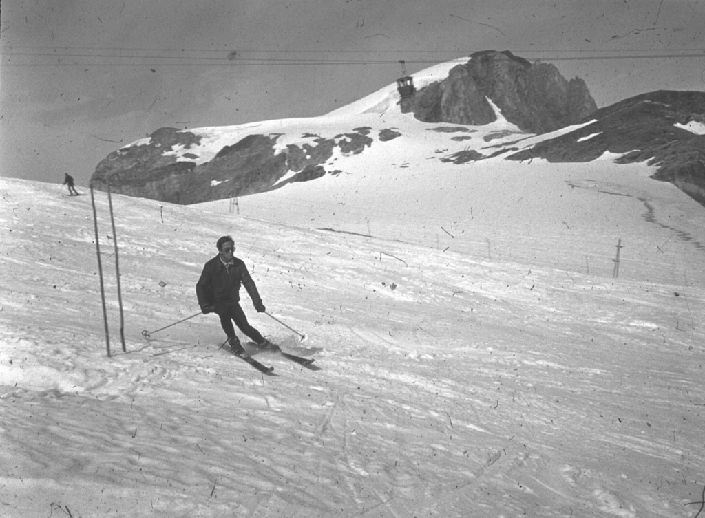 {Tignes} photos  d'archive de la station - Page 2 1968_015