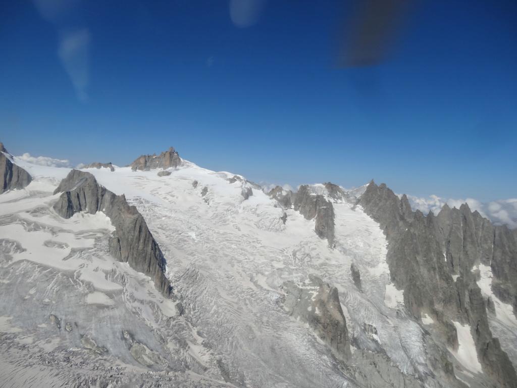 Survol du Massif du Mont Blanc Dsc03012