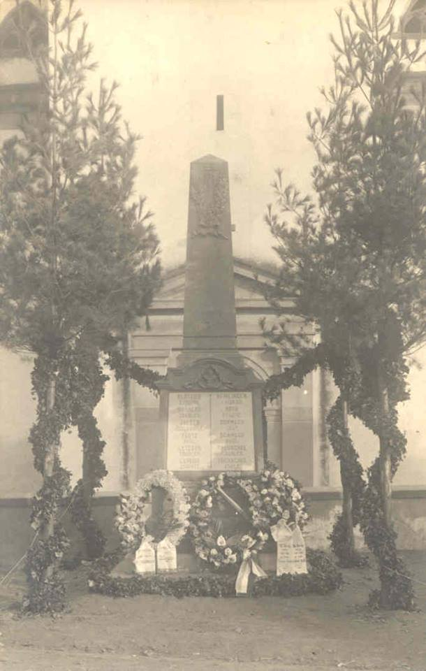 Wangen et ses trois monuments aux morts 45280310