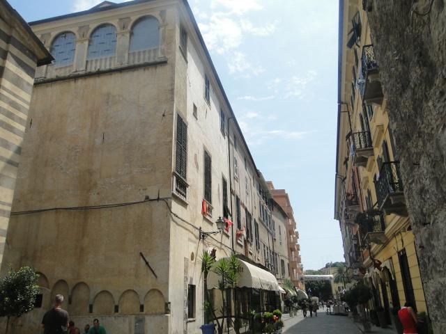 ALBENGA (ITALIE) Albeng10