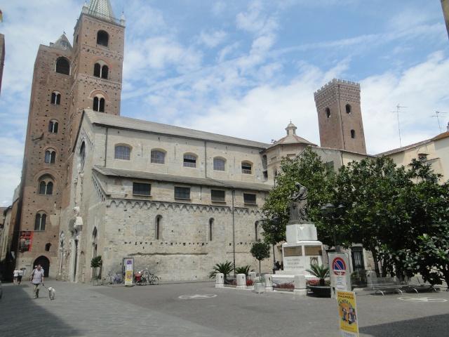ALBENGA (ITALIE) Albeng11