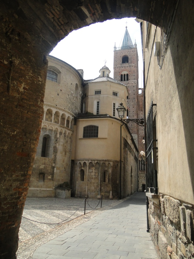 ALBENGA (ITALIE) Albeng14