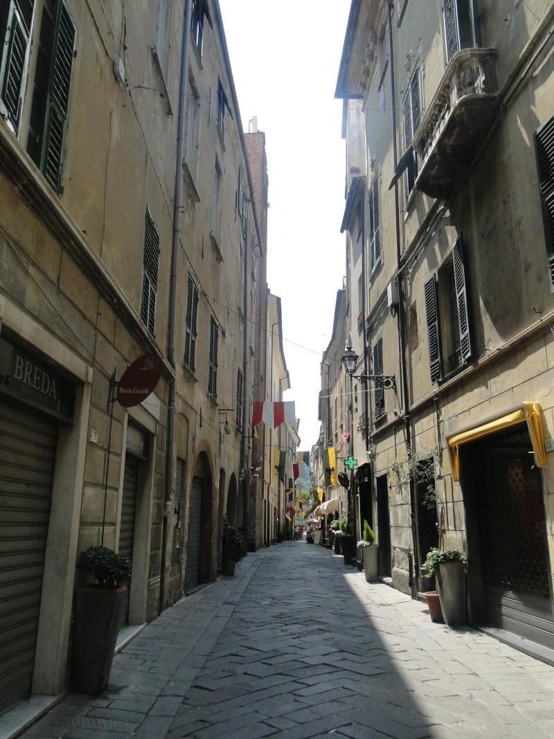 ALBENGA (ITALIE) Albeng21