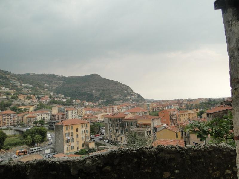 VINTIMILLE (ITALIE) I4 OCTOBRE 2011 - Page 2 Dsc00612