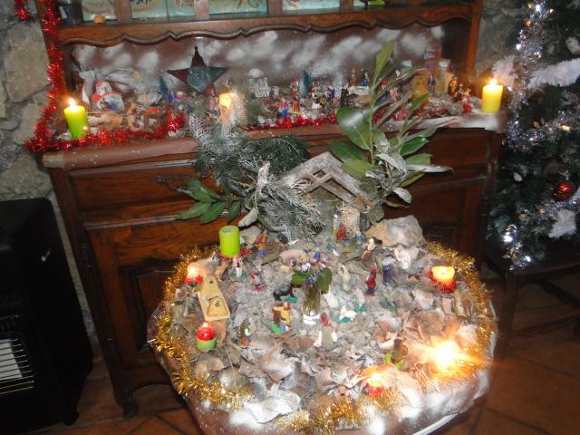 MA CRECHE DE NOEL 2010 et maintenant celle de 2011  Dsc01519