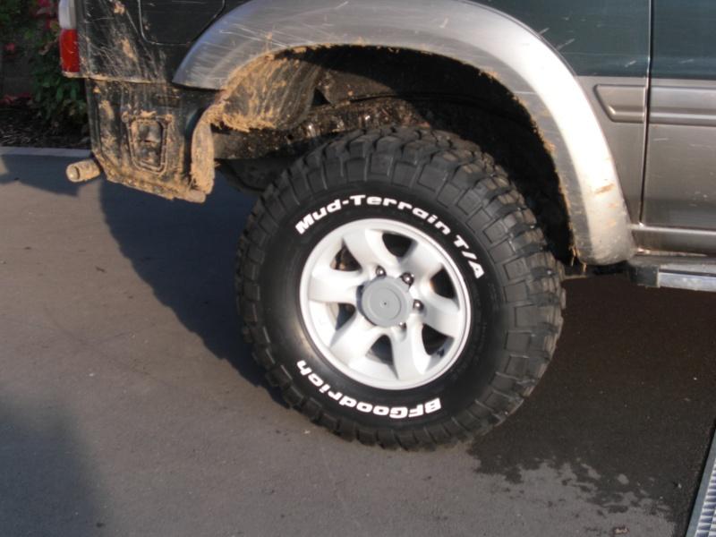 pose nouveaux pneus et jantes sur mon troll - Page 3 Cimg8839