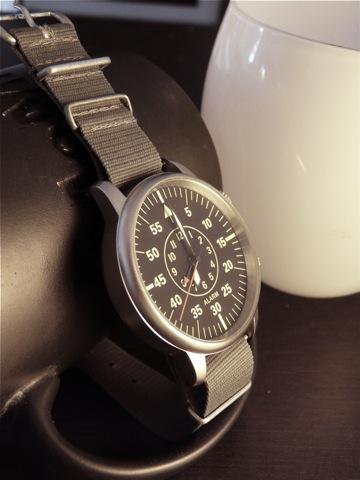 citizen - La montre du vendredi 29 août 2008 - Page 3 P1010710