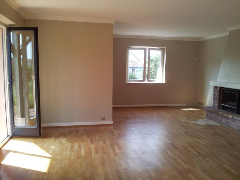 Besoin d\'aide pour la couleur des murs de mon futur salon !