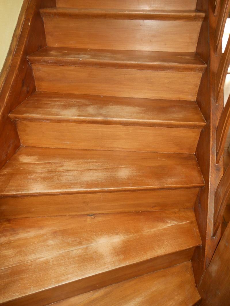 Comment donner un petit coup d'éclat à mon escalier ? Dscn2613