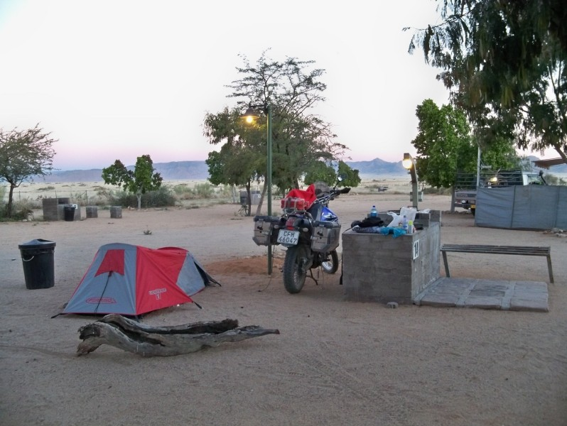 Africa 2011: Sud Africa, Namibia, Zambia su Yamaha XT 660 R e Yamaha XT 660 Z Tenerè Resiz101