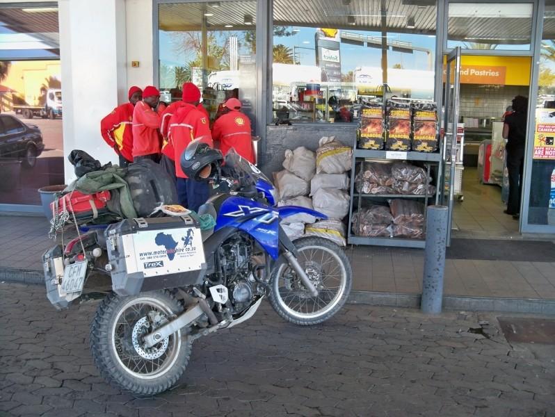 Africa 2011: Sud Africa, Namibia, Zambia su Yamaha XT 660 R e Yamaha XT 660 Z Tenerè Resiz121