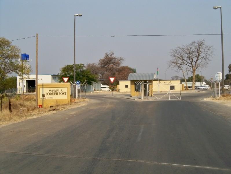 Africa 2011: Sud Africa, Namibia, Zambia su Yamaha XT 660 R e Yamaha XT 660 Z Tenerè Resiz225