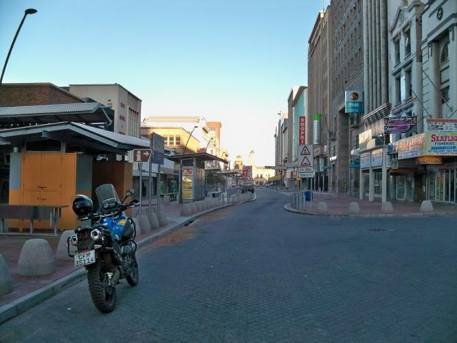 Africa 2011: Sud Africa, Namibia, Zambia su Yamaha XT 660 R e Yamaha XT 660 Z Tenerè Resiz330
