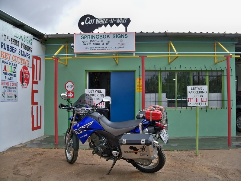 Africa 2011: Sud Africa, Namibia, Zambia su Yamaha XT 660 R e Yamaha XT 660 Z Tenerè Resize41