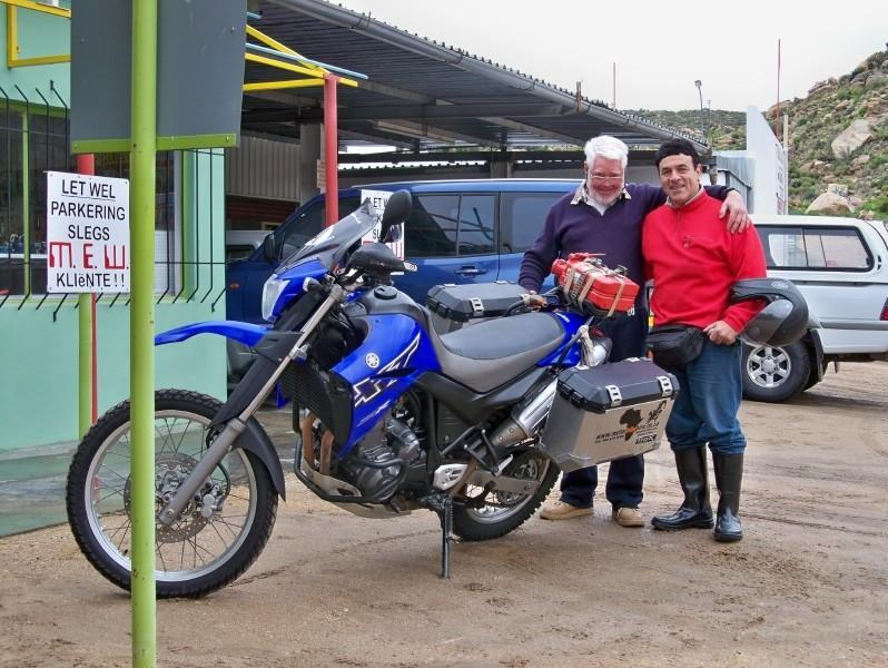 Africa 2011: Sud Africa, Namibia, Zambia su Yamaha XT 660 R e Yamaha XT 660 Z Tenerè Resize42
