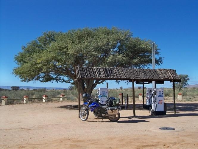 Africa 2011: Sud Africa, Namibia, Zambia su Yamaha XT 660 R e Yamaha XT 660 Z Tenerè Resize60