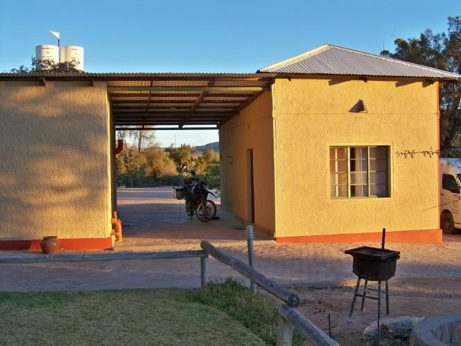 Africa 2011: Sud Africa, Namibia, Zambia su Yamaha XT 660 R e Yamaha XT 660 Z Tenerè Resize75