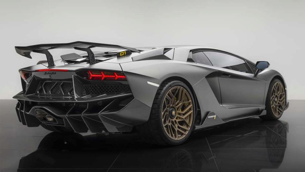 2011 - [Lamborghini] Aventador LP700-4 - Page 27 Fb_img33