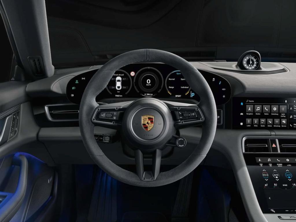 2019 - [Porsche] Taycan [J1] - Page 16 Fb_img64